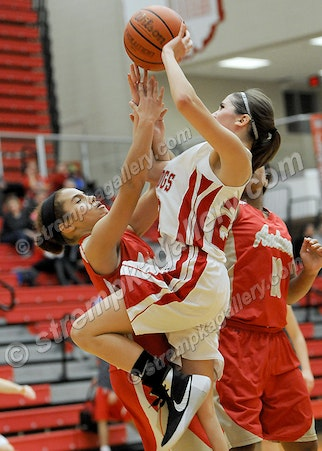 28_GB_AHS_CP_JV_DSC_0938 - Andrean vs. Crown Point (JV) - 11/17/15