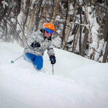 Cassie & Baillie Skiing