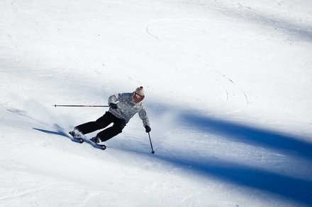 0901_Simon_skiing_191