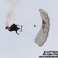 Circle the Wingsuit & Solo Aeros