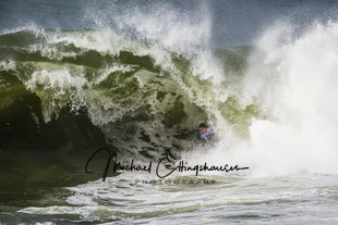 Shark Island Challenge 2016 - With a nice swell hitting the east Coast there was some great action by the body boarders in this competition.