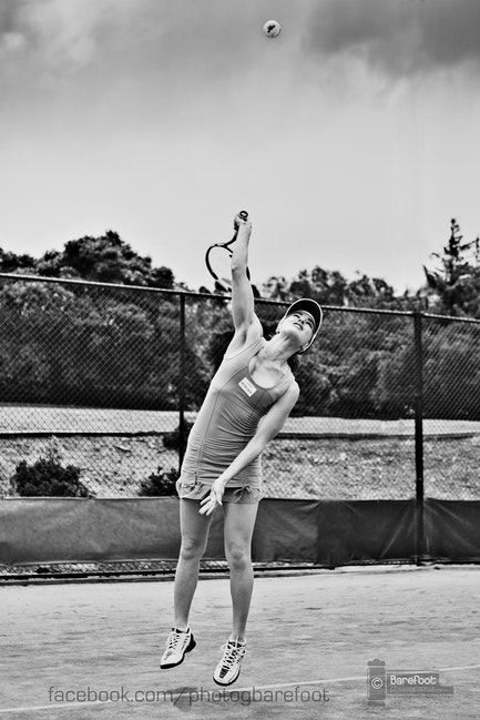 Martina serve bw edit2