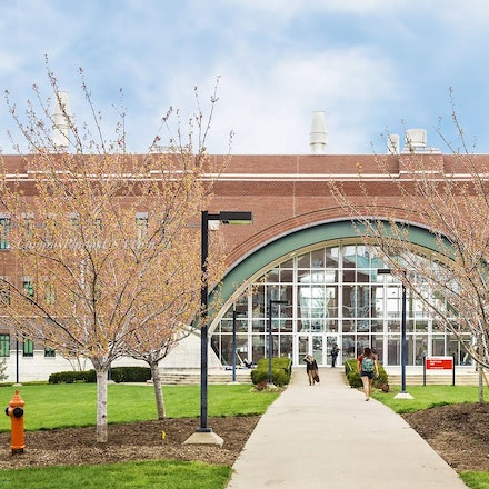 Paul B. Lutz Hall, University of Louisville/Color Photo_1640_543_548 - Photo by Campus Photos USA. The Paul B. Lutz Hall, located on the campus of University...