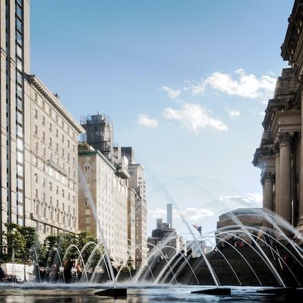NYC - The Met - The Met fountain, Manhattan NYC