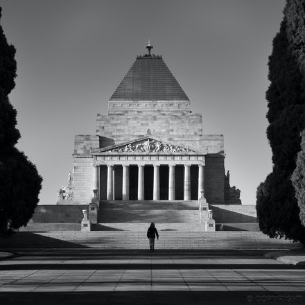The Shrine of Remembrance - Walking towards the Shrine on a sunny winter's morning