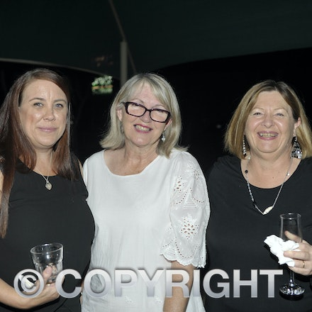 151031_SR23890 - Mel armbrister, Jo Harris, Lindsay Rowe at the Rotary function held qat the Jumbuck Motel, Longreadch, Saturday October 31, 2015.  sr/Photo...