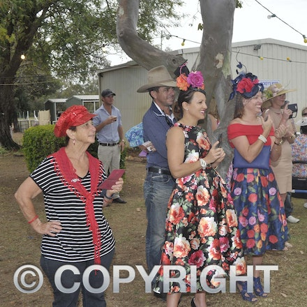 161022_SR20271 - At the 2016 Isisford Races