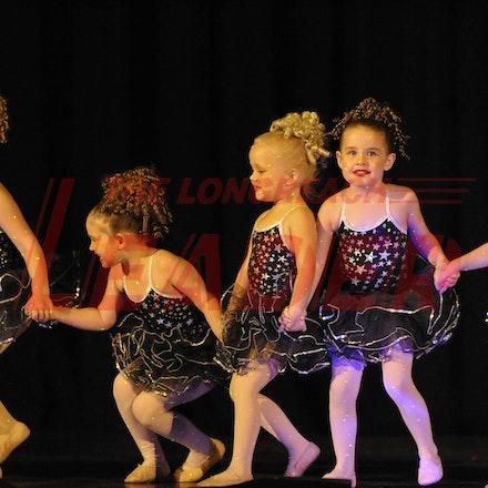 161112_SR23117 - Longreach School of Dance production of Wonka, Saturday November 12, 2016